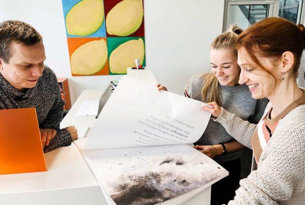Druckfrisch - die MorgenLandFahrt designhouse Kalender 2020